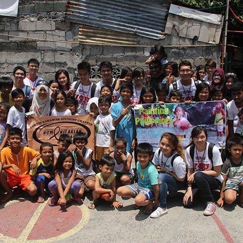 Curtin Sarawak student volunteers carry out community outreach programme in the Philippines