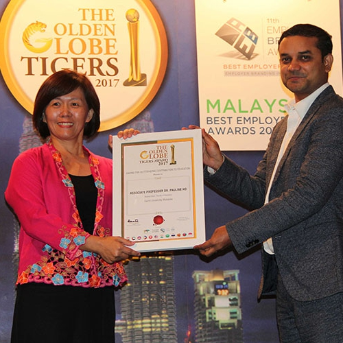 Curtin Malaysia deputy dean wins award for outstanding contribution to education